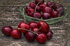 cherry-2369275_640.jpg