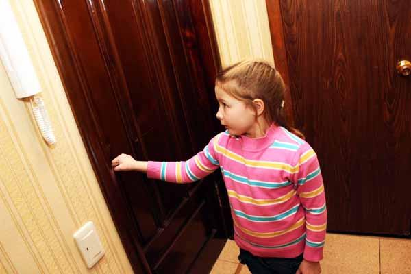 дверь, открывать, незнакомец